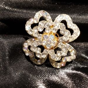 Rhinestone flower power adjustable ring
